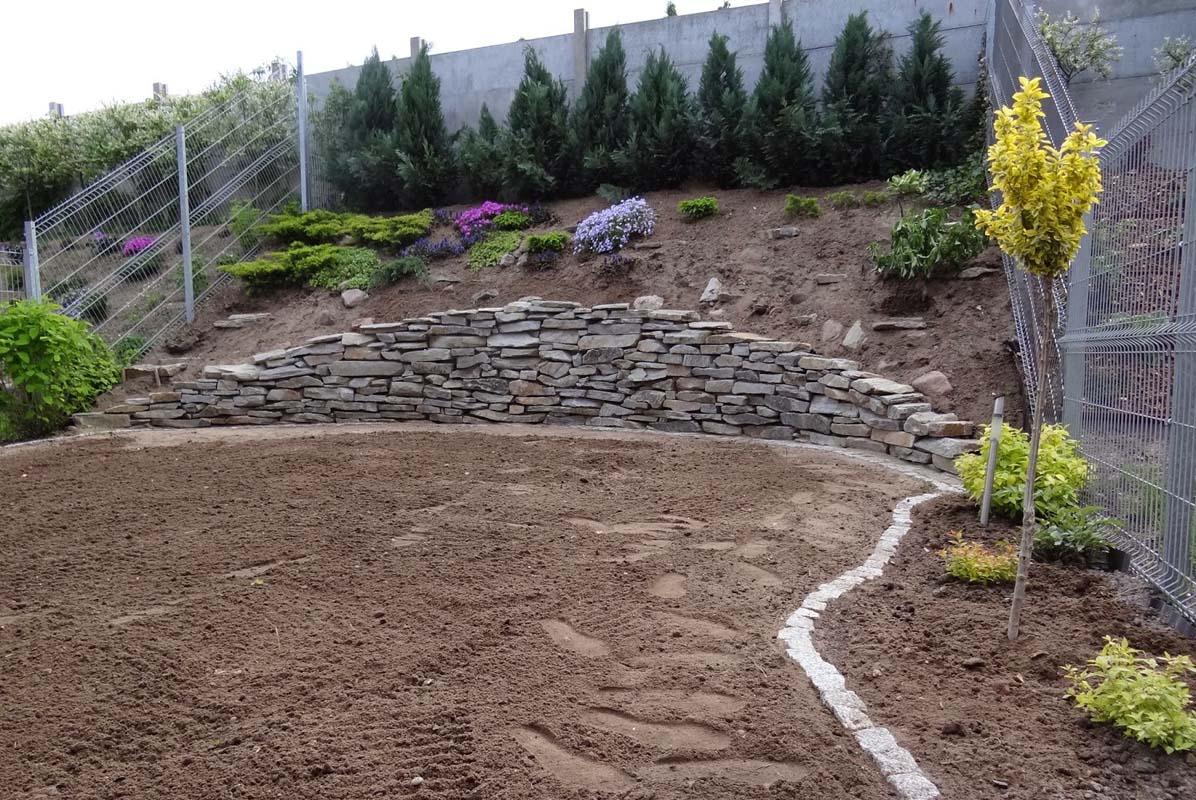 Oczyszczanie terenu pod ogród